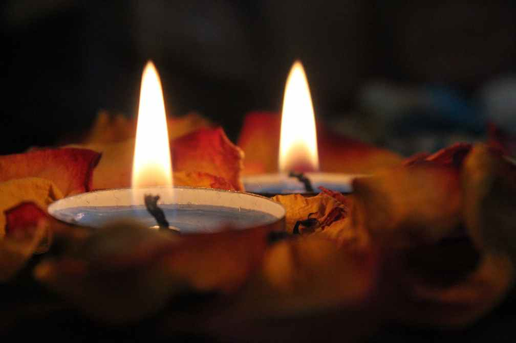 close up photography of candels